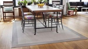 Alfombra vinilica kp con cenefa alrededor de toda la alfombra