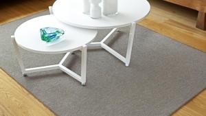 mesas blancas sobre alfombra a medida metrk kp