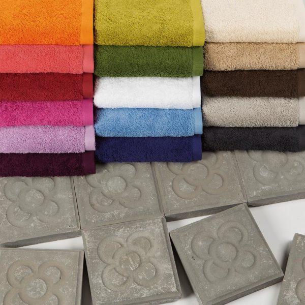 juego-toallas-hierba-colorido