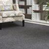 Butaca sobre alfombra de lana lanatika de kp alfombras a medida