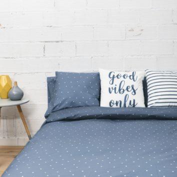 habitacion_con_funda_nordica_algodon_color_azul_estrellas