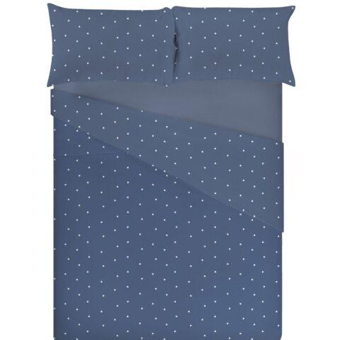 Cama vestida con funda nórdica sisomdos estrellas en color azul
