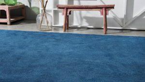 alfombra de pelo largo azul i love it kp alfombras a medida