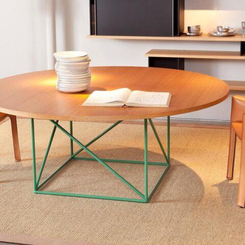 alfombras de sisal kitsune de kp alfombras a medida con una mesa de comedor sobre ella