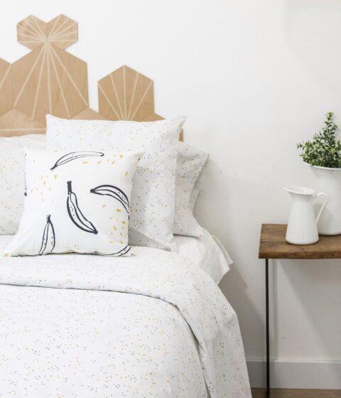 Ambiente con cama vestida con funda nórdica sisomdos lily