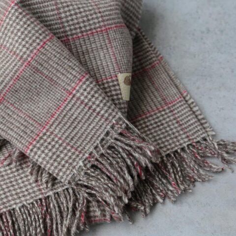 Manta de lana grazalema cuadro ingles rojo