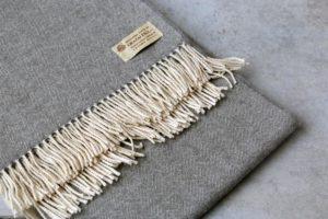 manta de lana grazalema plata