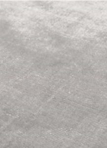 detalle alfombra ligne pure glow color plata