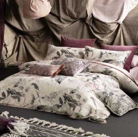 Ambiente con cama vestida con funda nórdica kas asutralia yarra