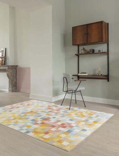 Sala de estar con alfombra Osta Bloom 466.116.AK991