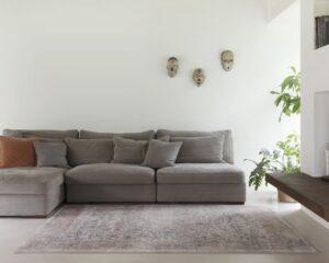 Salón con alfombra Osta Patina 41043. 621