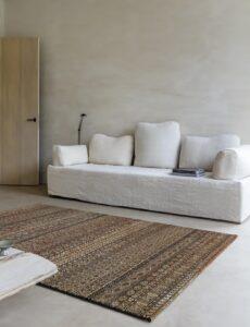 Salón con alfombra Osta Zheva 65409.090