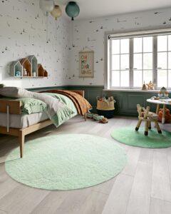 Habitación infantil con alfombras Santos Monteiro Nice 42 y 46