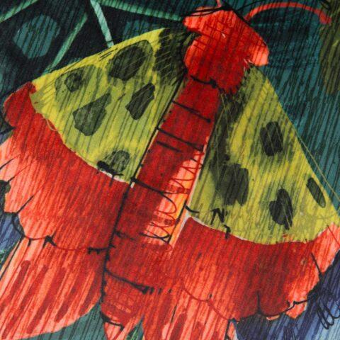 Detalle de cojín Polilla de Kas Australia