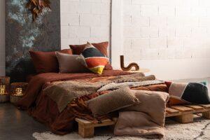 Ambiente_plaid_fara_caramelo_vivaraise_fernandez_textil