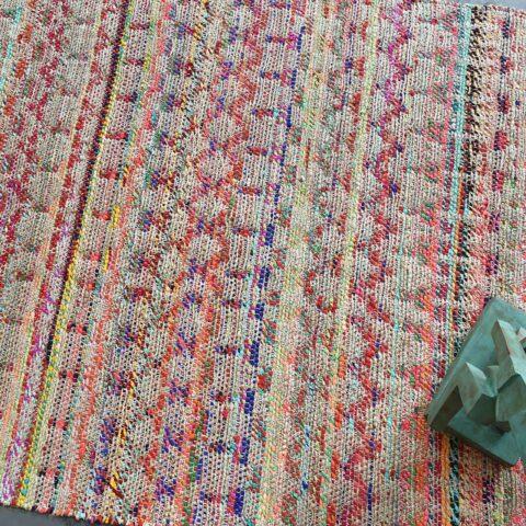 Detalle alfombra Saige Vivaraise